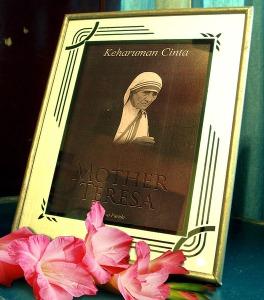 Keharuman Cinta Mother Teresa